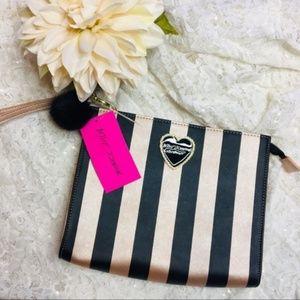 NWT Betsey Johnson Cosmetic Clutch Stripe Wrislet